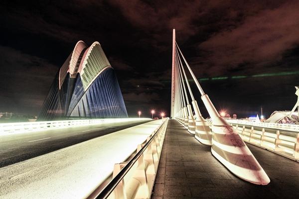 Puente de l'Assut de l'Or und El Agora in Valencia