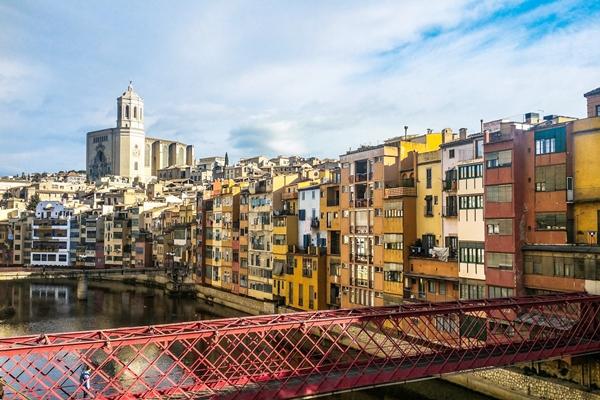 Ausflugsziel im Norden von Barcelona: Girona