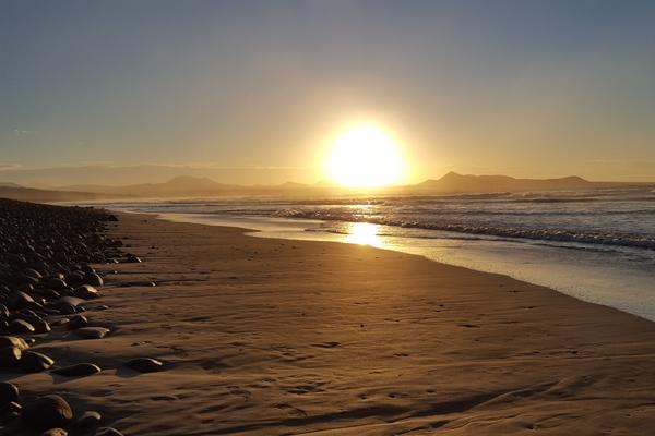 Surferstrand im Norden Lanzarotes - Playa Famara