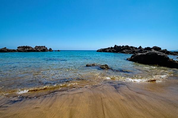 Strand in Puerto del Carmen an der Südostküste von Lanzarote